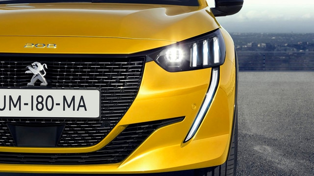 NEW PEUGEOT 208 – Full LED headlights with 3 claws and LED DRL