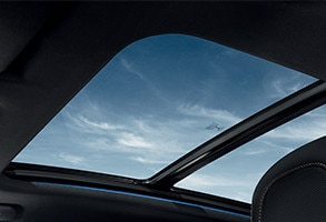 PEUGEOT 3008 SUV GT glass roof