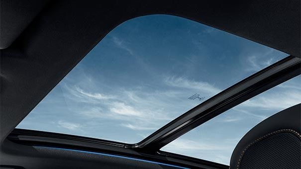 PEUGEOT 3008 SUV Design | Opening Panoramic Sunroof