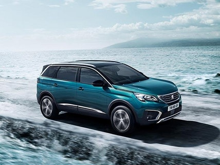PEUGEOT 5008 SUV 7 Seat | Front View