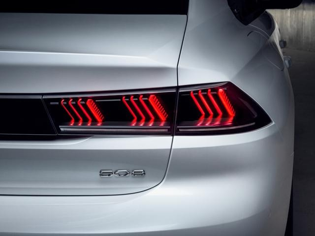 New PEUGEOT 508 With 3D 'Claw Effect' LED Rear Lights