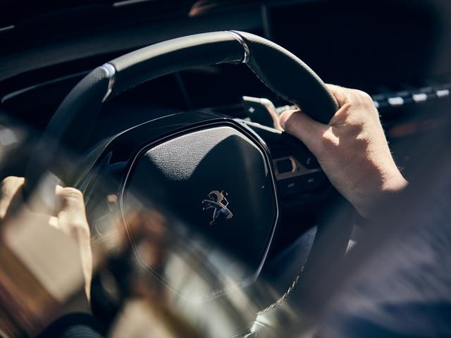 New PEUGEOT 508 With Full-Grain Perforated Leather Compact Steering Wheel