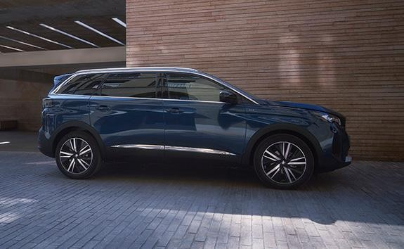 7-Seat PEUGEOT 5008 SUV Key Features