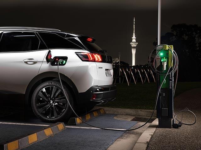 PEUGEOT Plug-In HYBRID Vehicle Charging Possibilities