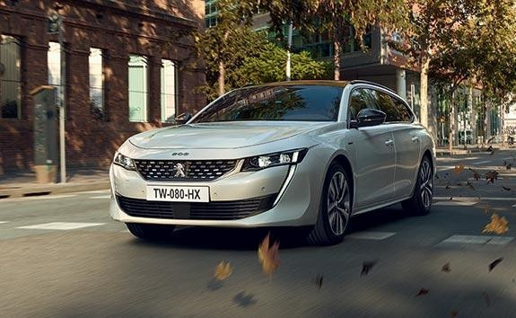 Charging Your PEUGEOT Plug-In HYBRID Vehicle | Driving Modes: Comfort