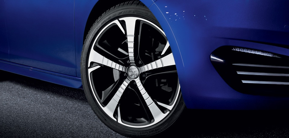 /image/53/9/308-gt-alloy-wheel.143539.jpg
