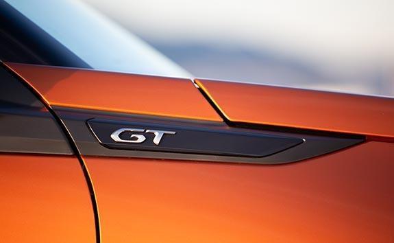 PEUGEOT 2008 SUV GT