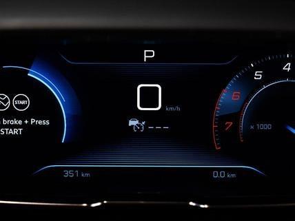 PEUGEOT 3008 SUV dashboard