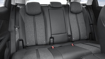 Peugeot 3008 suv backseats