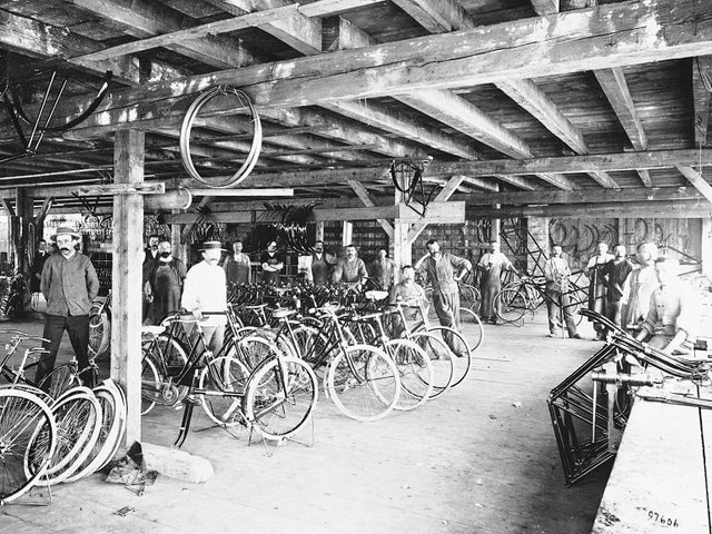 The family adventure – 1896 creation of Automobiles Peugeot, a public limited company
