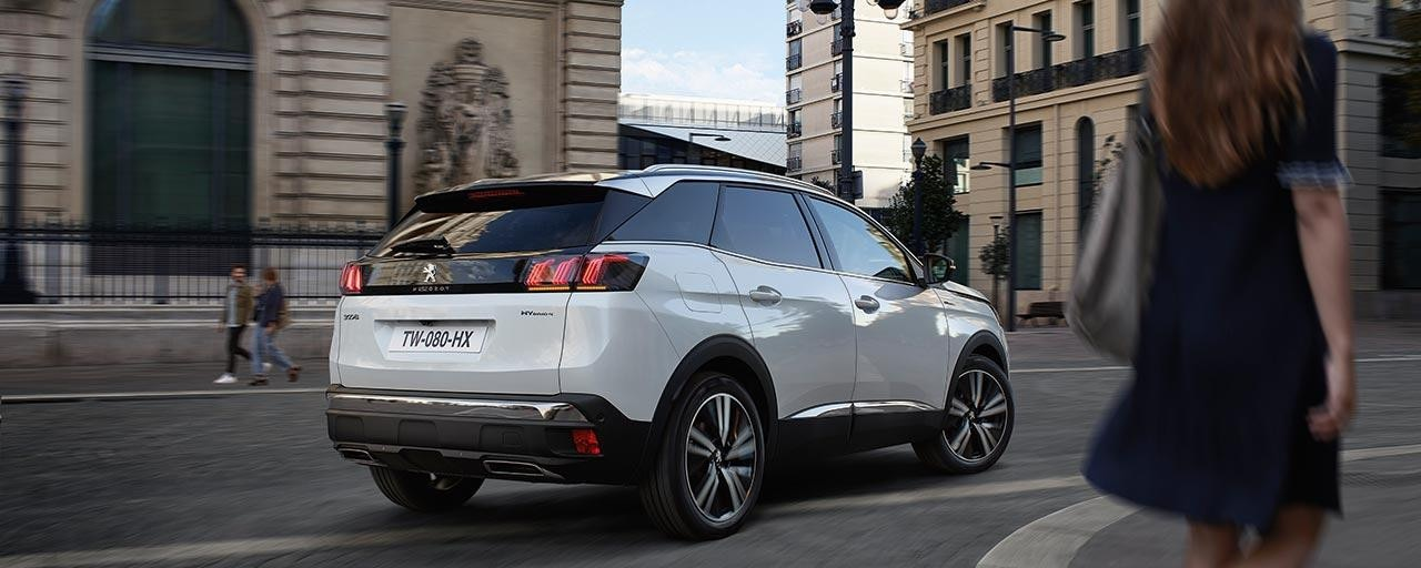 PEUGEOT 3008 SUV HYBRID4 Design | Rear Full LED Lights