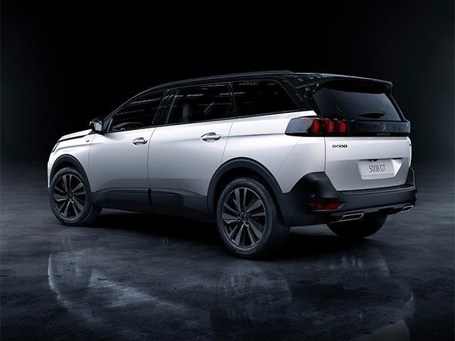 New Large PEUGEOT 5008 SUV with 7 Seats | Black Pack Option