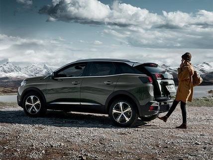 PEUGEOT 3008 SUV Technology | Hands-Free Tailgate