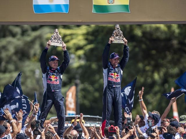 Peugeot Sport - Dakar 2016 Victory Peugeot Peterhansel - Cottret