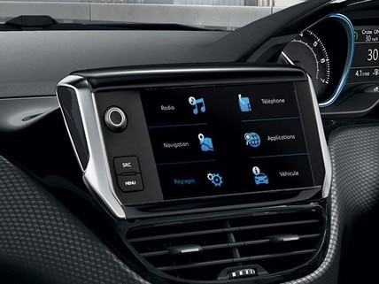 PEUGEOT 2008 SUV 7-inch touchscreen