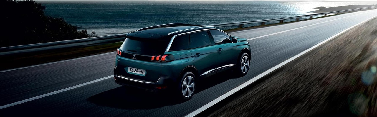 PEUGEOT 5008 SUV Family Car
