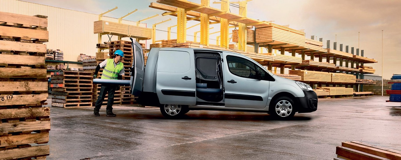 PEUGEOT Partner commercial vehicle