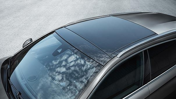 PEUGEOT 508 SW Design | Panoramic Opening Glass Roof