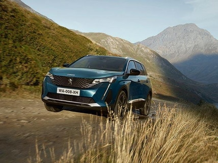 New large PEUGEOT 5008 SUV with 7 Seats Technology | Advanced Grip Control