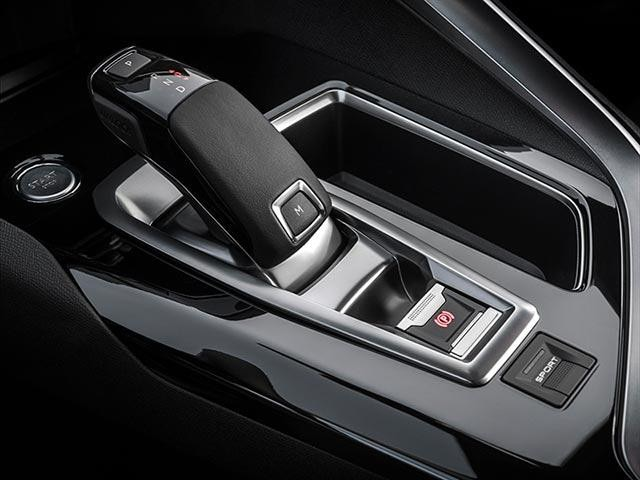 PEUGEOT 5008 SUV Crossway Special Edition EAT6 Automatic Gearbox